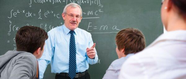 Fiúk a hátsó padban? – Kevesebb férfi tanár – romló teljesítmény